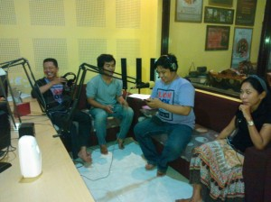 On Air di V-Radio (dok. @ONOFFLombok)